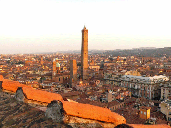 Photo of the city of Bologna
