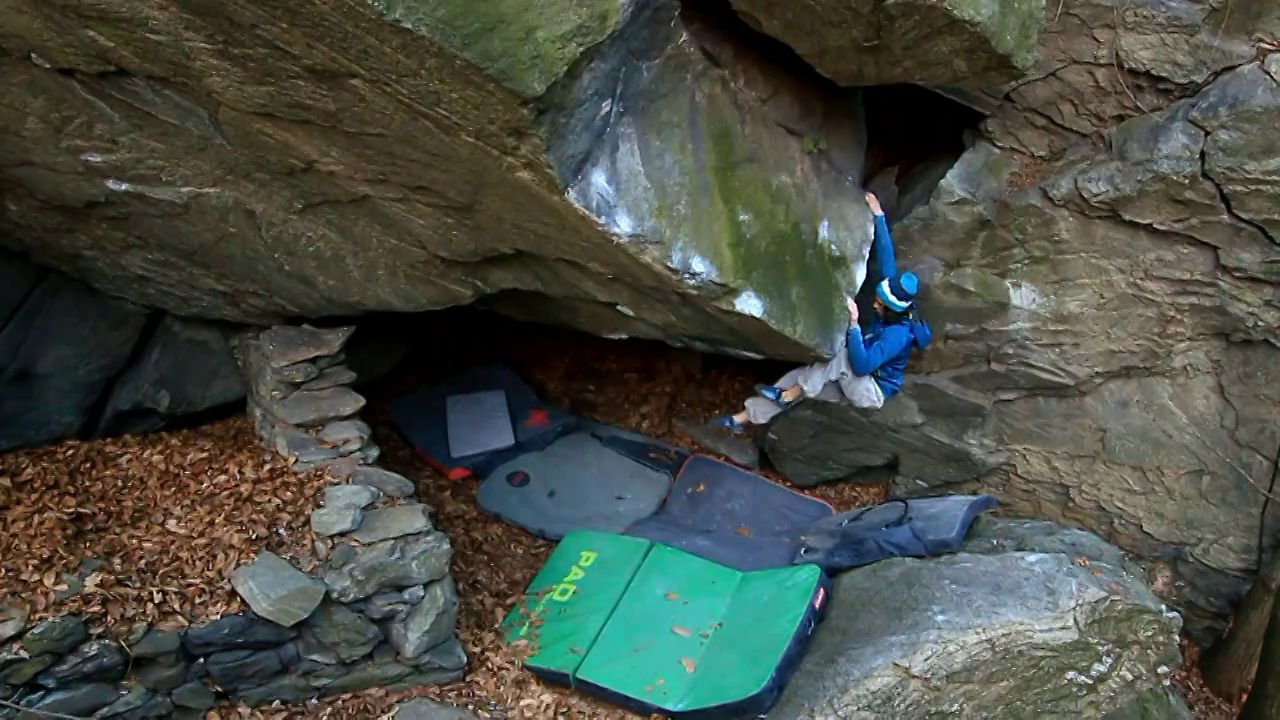 Bouldering Guide to the Aosta Valley