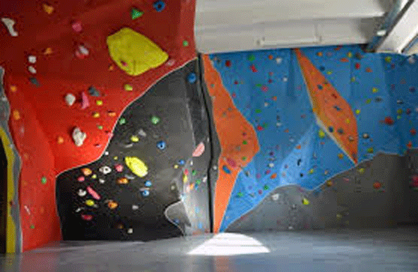 Indoor Climbing and Bouldering Gyms in Italy