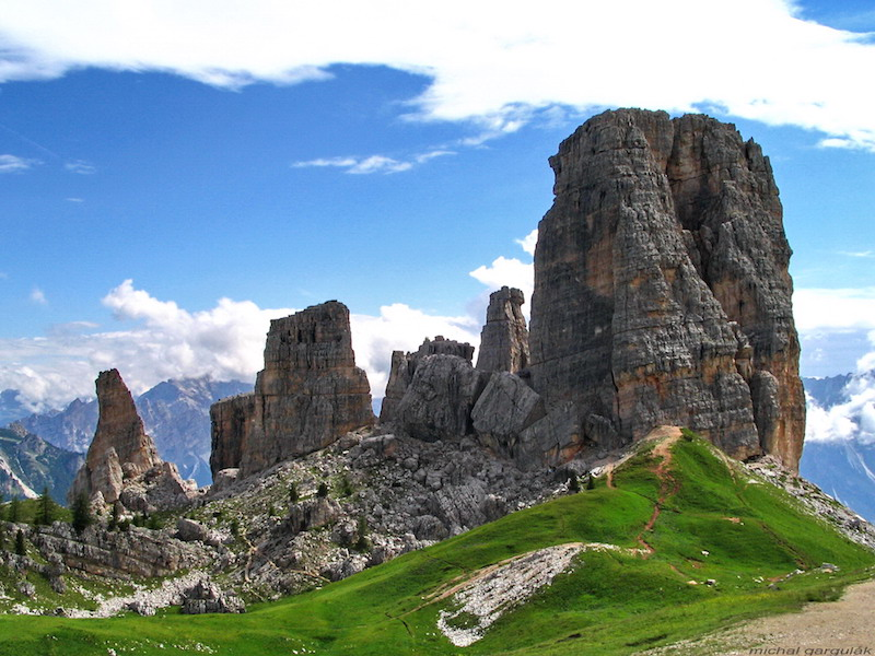 cinque torri, hiking in the Dolomites