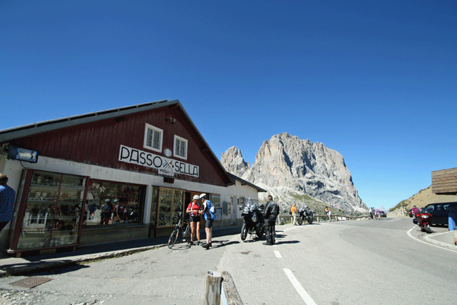 bike touring passo sella