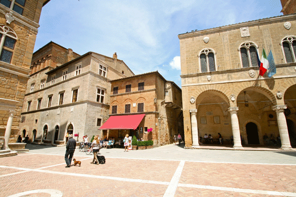 Bike Tour Tuscany, Hilltown of Pienza